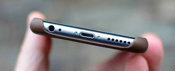 clear iphone speaker slot